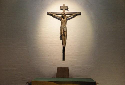 crucifix_a.jpg