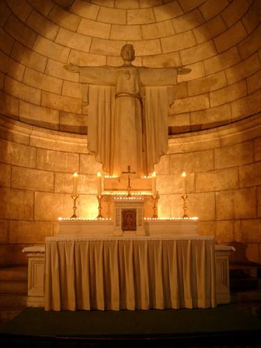 tabernacle_montmartre_a.jpg