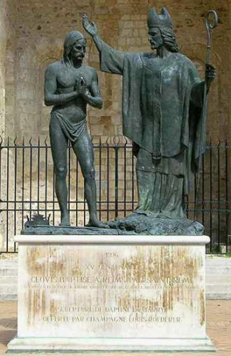 Saint_Remy_bapteme-de-Clovis_1b.jpg