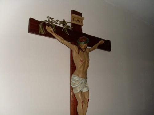 crucifix_2a.jpg