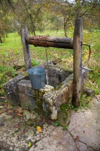 puits-seau-eau-3a.jpg