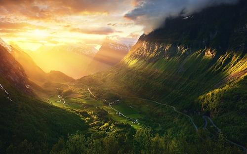 Ruysbroeck,humilité,soleil,vallée,montagnes,misère,pauvreté,justice,miséricorde,Dieu