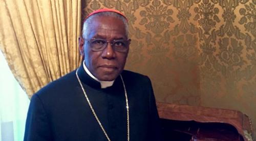 Salutaire entretien du Cardinal Sarah, défenseur,foi,doctrine