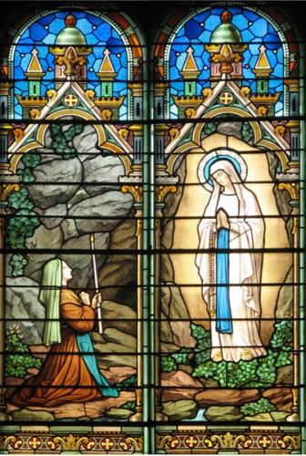 Notre-Dame_de_Lourdes_5a.jpg