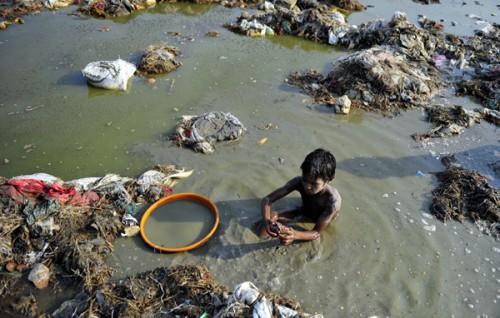 Inde,conditions sanitaires,malnutrition,65 millions,enfants,pollution,Gange,hygiène,insalubrité,rachitisme,viol