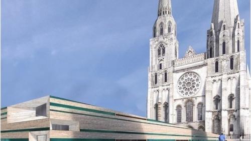 Chartres,pétition,aménagement,cloître,parvis,dalle,béton