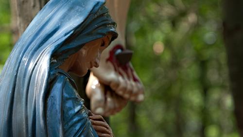 Vierge-Marie_aux-pieds-de-la-croix_1a.jpg