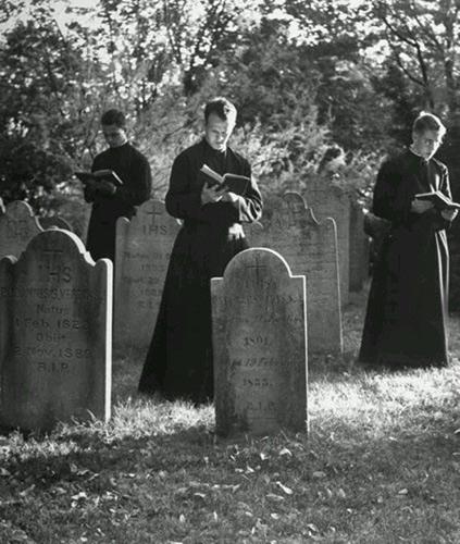 âmes,purgatoire,prières,tombes,tombeau,cimetière