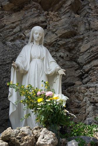 Abbé Joseph Lemann,dévotion,Vierge,Marie,Mère,Sauveur,salut,vie spirituelle,prédestination,Alphonse de Liguori,prière,Ave Maria,curé d'Ars,fleurs,mort,ciel