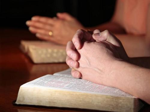 Bible_priere.jpg