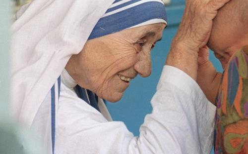 Mère Teresa,Caclacuta,joie,sourire,amour,gratitude