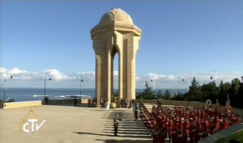 voyage,pape,françois,azerbaidjan,visite,monument aux morts,indépendance