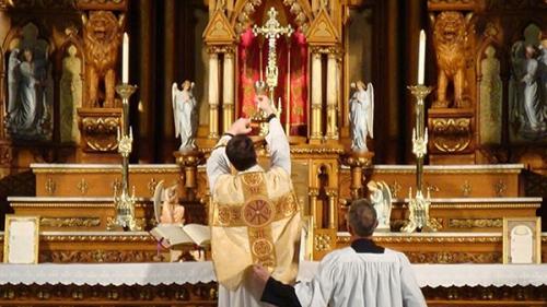Jacques Maritain,sacrifice,offrande,messe,liturgie,silence,consécration,autel,victime,prêtre,in persona Christi,Corps du Christ,communion