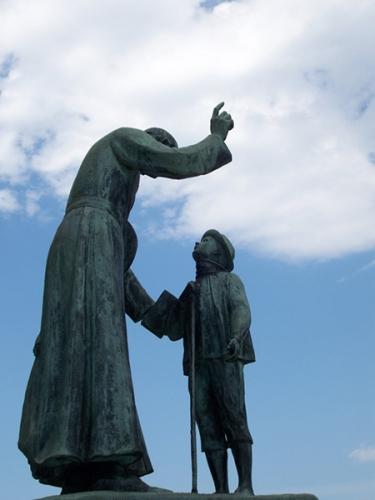 Saint_Cure-d-Ars_statue4a.jpg